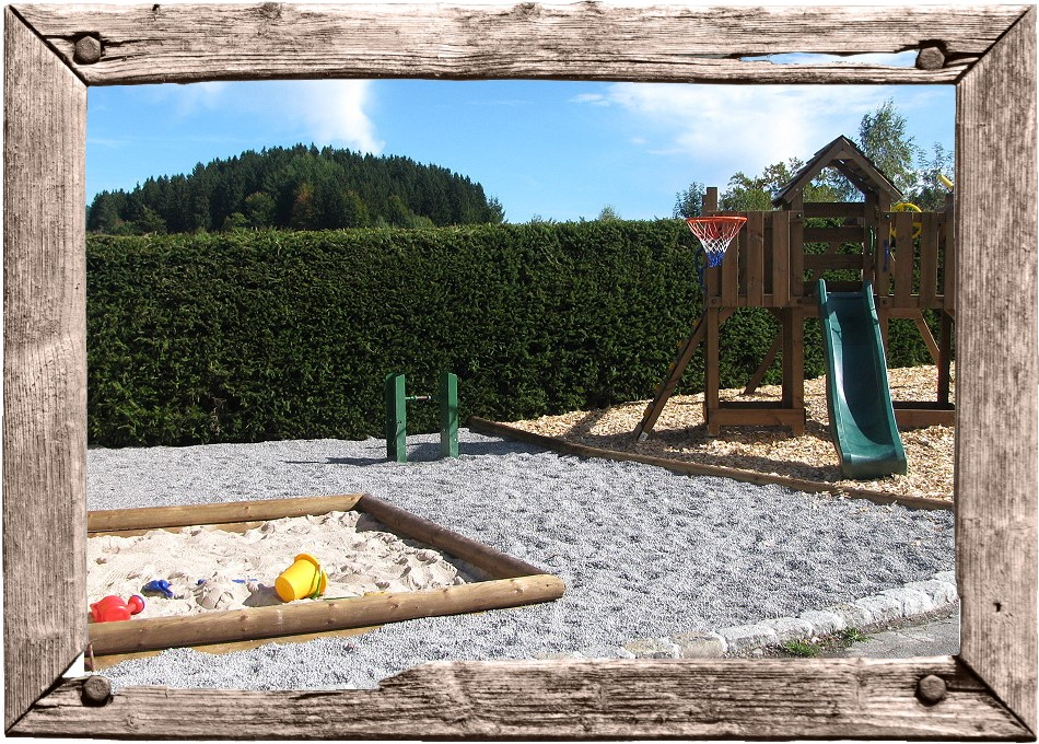 Landhaus zur Tanne - Spielplatz am Haus